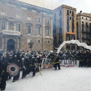 Bombers Barcelona protesta X.T