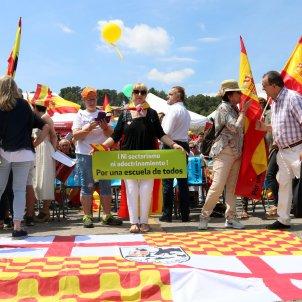 Mani Sant Andreu de la Barca Adoctrinament - ACN