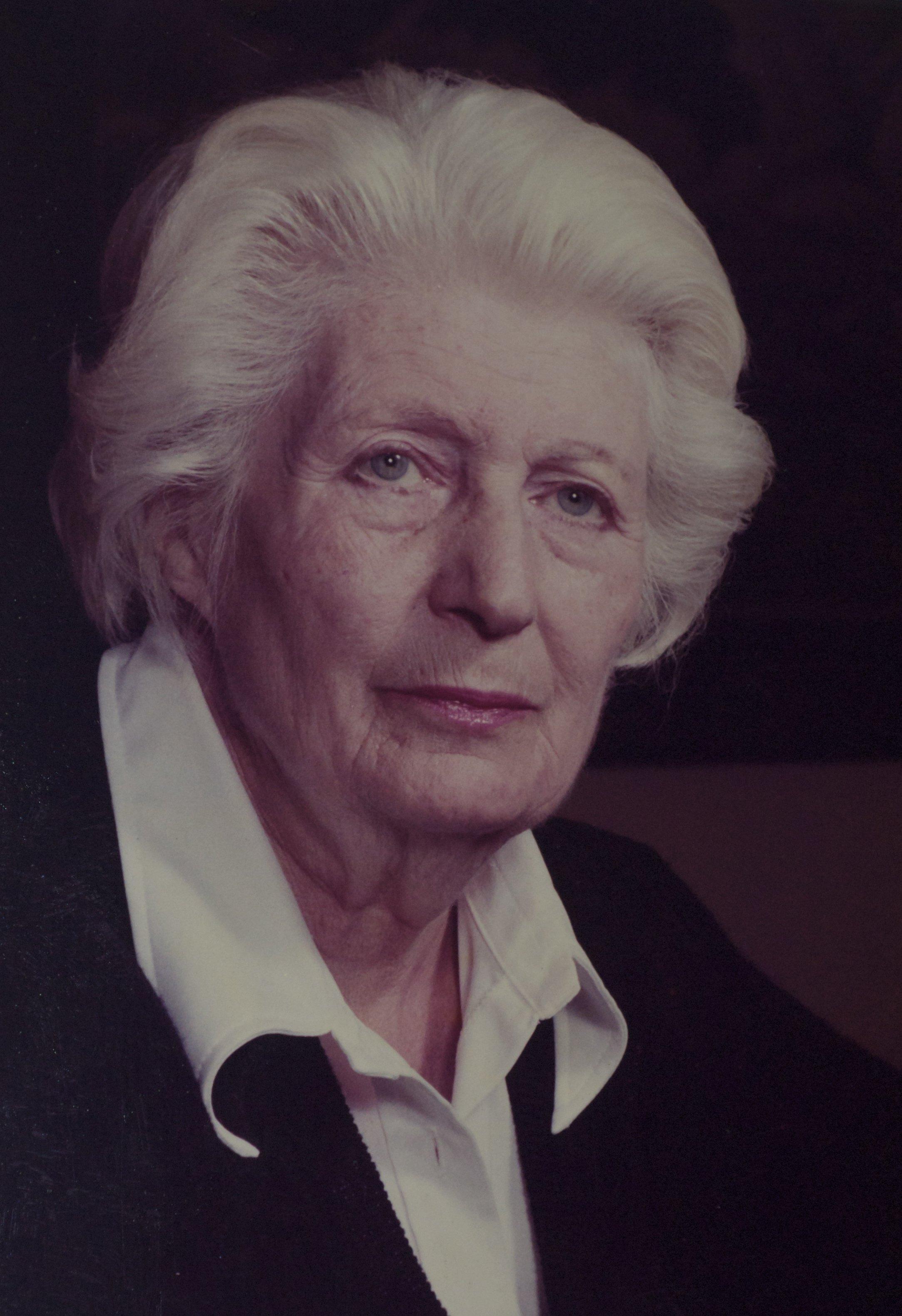 Elisabeth Mulder escriptora catalana. Retrato de Nova Imatge 1973