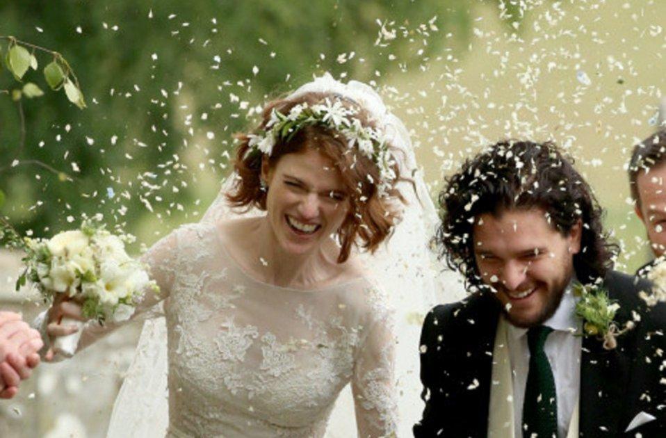el inoportuno vestido de sansa en la boda de 'juego de tronos' la