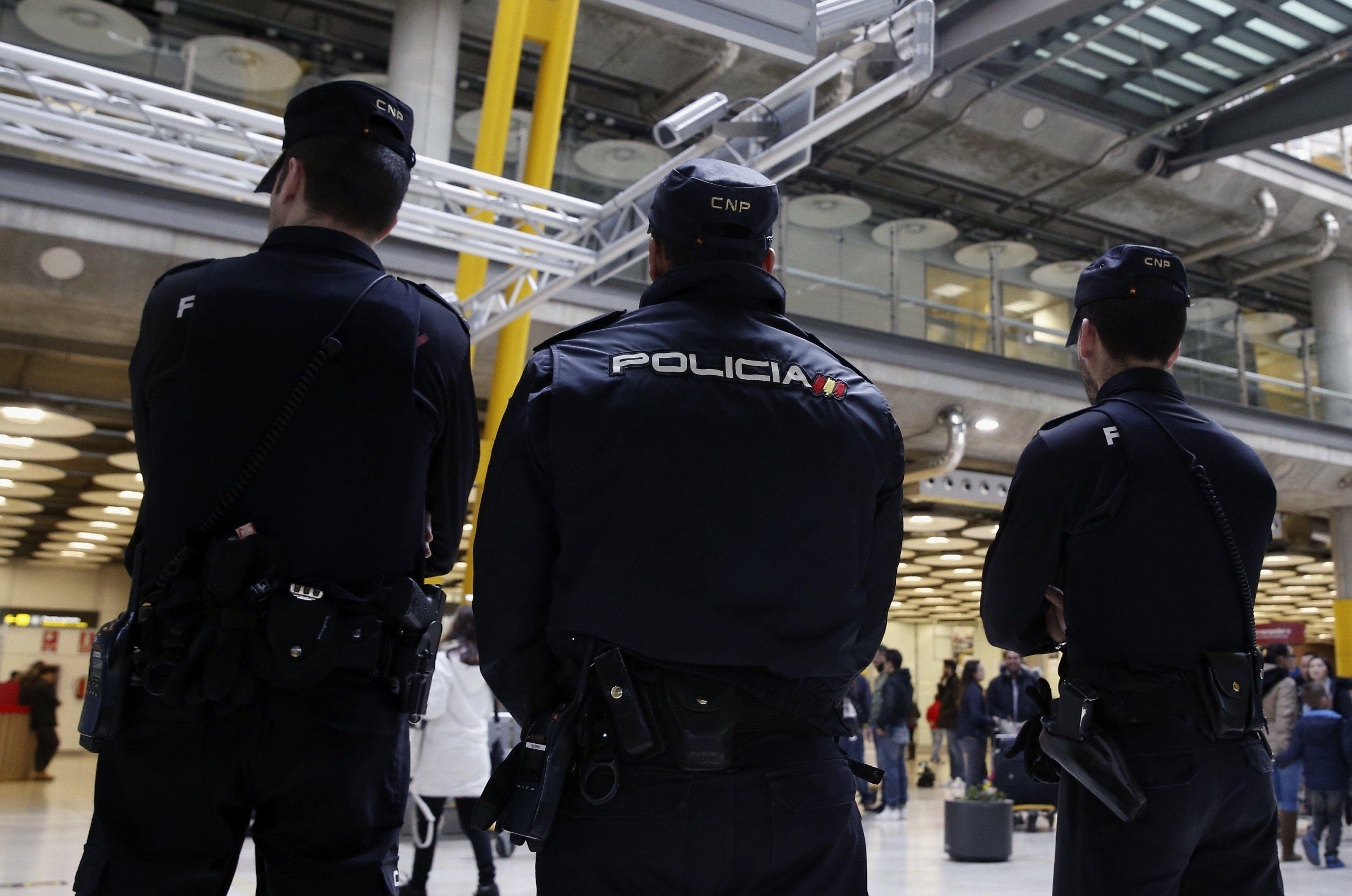 La policía belga busca a dos sospechosos huidos a88f0a29ca1
