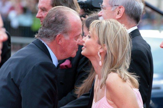 Corinna y Joan Carles beso GTRES