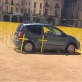 Atac cotxe Vic creus grogues