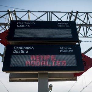rodalies de catalunya tren vies infraestructures panell estacio - Carles Palacio