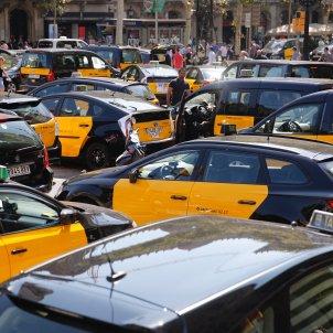 Vaga taxis Gran via 4   Sergi Alcàzar