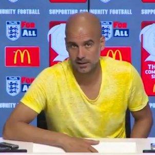 Pep Guardiola Manchester City color groc   Captura vídeo