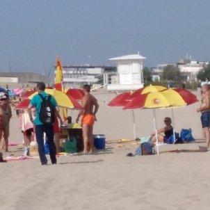 parasols espanyolistes arenys CArlos Julve