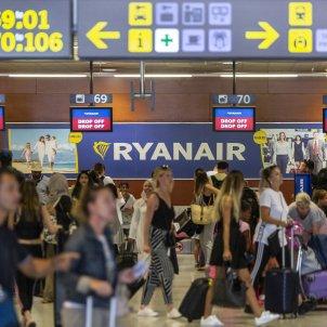 Aeroport del prat T2 Ryanair mostradors embarcament - Sergi Alcazar