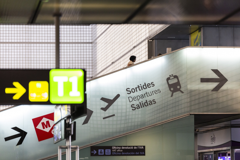 Aeroport del prat T2 Ryanair sortides - Sergi Alcazar 10