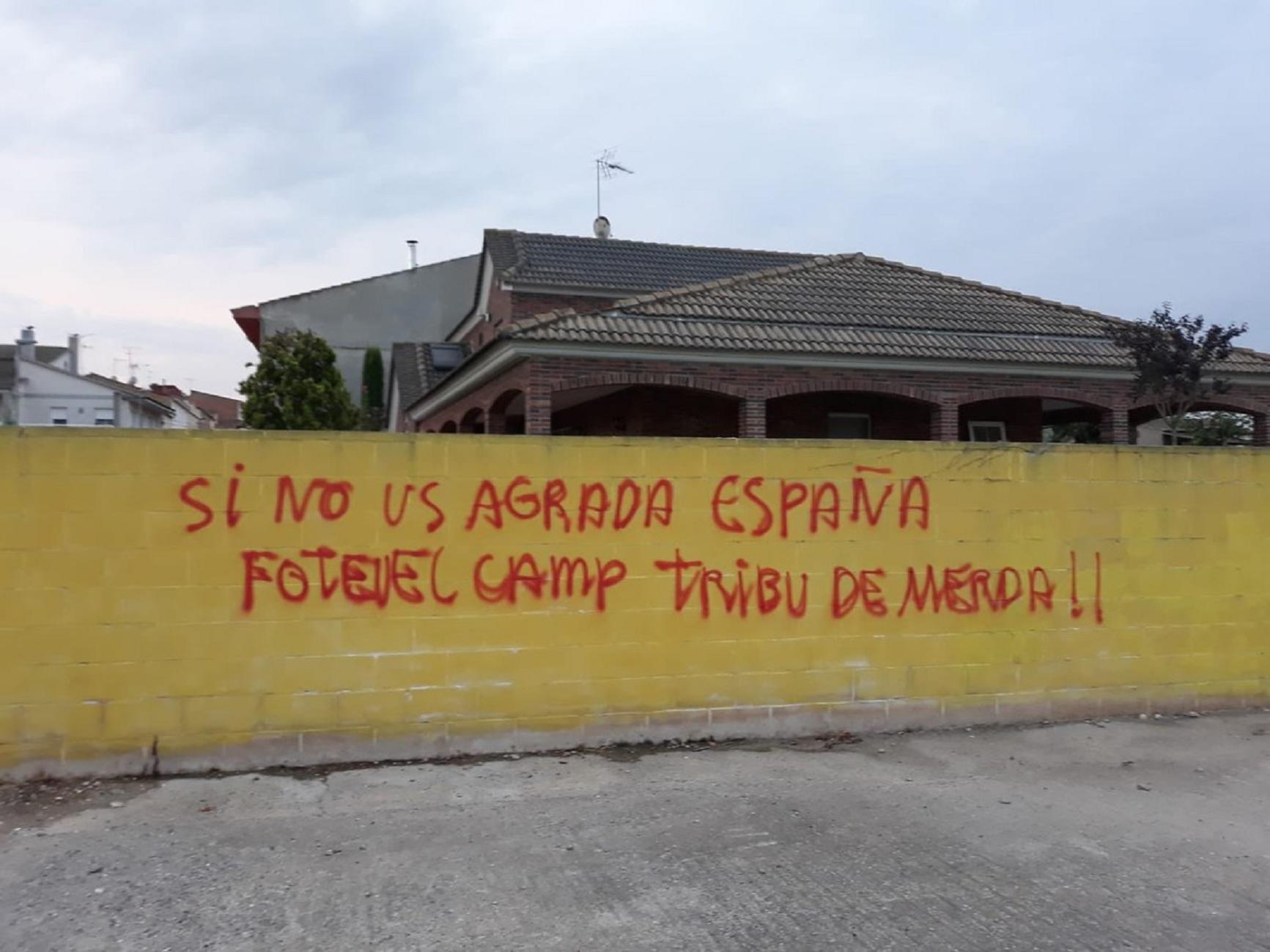 pintades casa meritxell serret - @ANCVallfogona