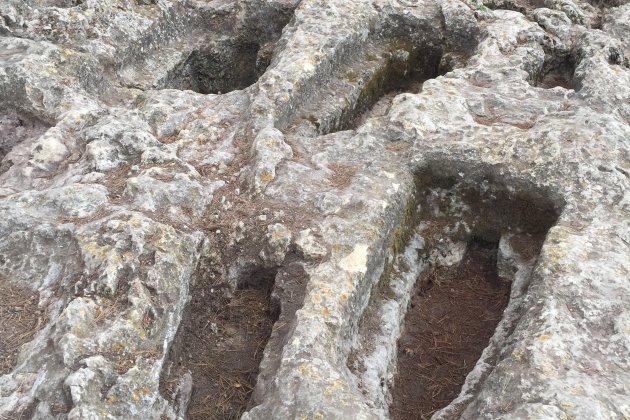 11 MAC OLERDOLA. Necrópolis núria Molist