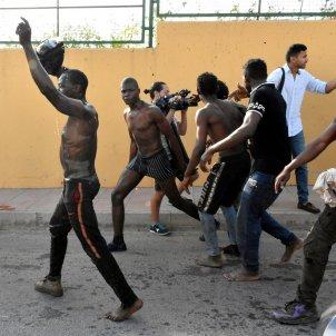 Immigrants ceuta valla frontera subsaharians - Efe