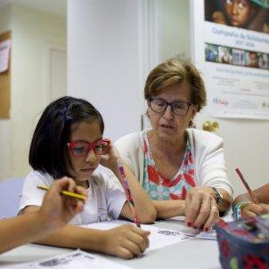 voluntariat gent gran avis nens obra social la caixa