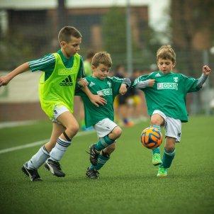 futbolistes nens Pixabay