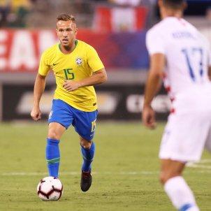 Arthur debut Brasil  @arthurmelo
