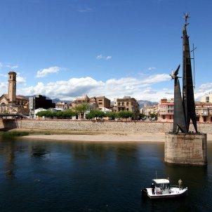 Monumento conmemorativo de la Batalla del Ebro alonsolej wikipedia
