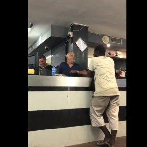 camarero viva espana