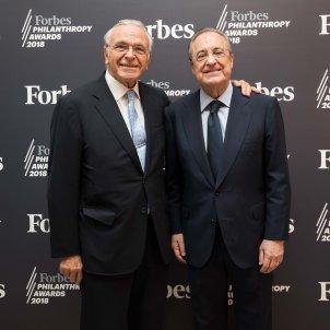 Entrega Premi Forbes la caixa Isidre Faine - la caixa