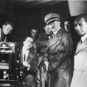 Nuria Bou cinemes feixistes cinema espanyol Hitler i Goebbels als estudis de la UFA Bundesarchiv Bild  wikipeida