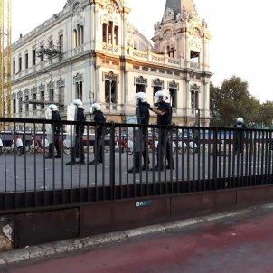 Batalla campal guardia urbana manters