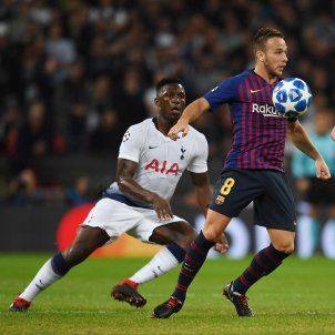 Arthur Melo Barça Tottenham Champions   EFE