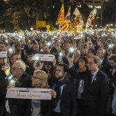Milers de persones exigeixen la llibertat dels Jordis en l'aniversari del seu empresonament