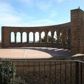 Montserrat carlins franquisme mausoleu