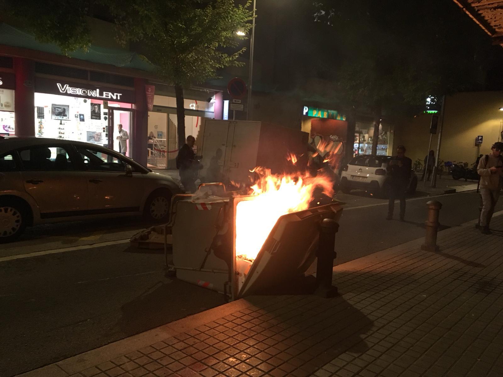 ELNACIONAL container cremant manifestació gràcia Anton Rosa