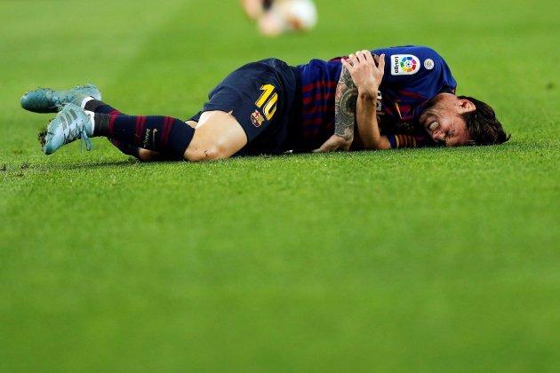 Messi sufrió lesión y abandonó ante Sevilla — Lamento catalán