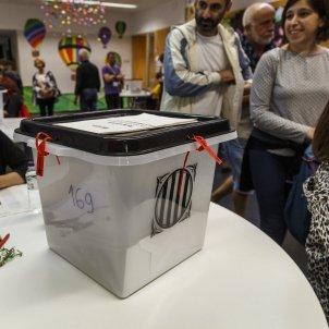 Mesa colegi electoral referendum 1-O - Sergi Alcazar