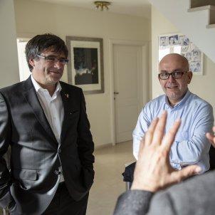 Carles Puigdemont Gonzalo Boye Toni Comin a la Casa de la Republica a Waterloo - Sergi Alcàzar