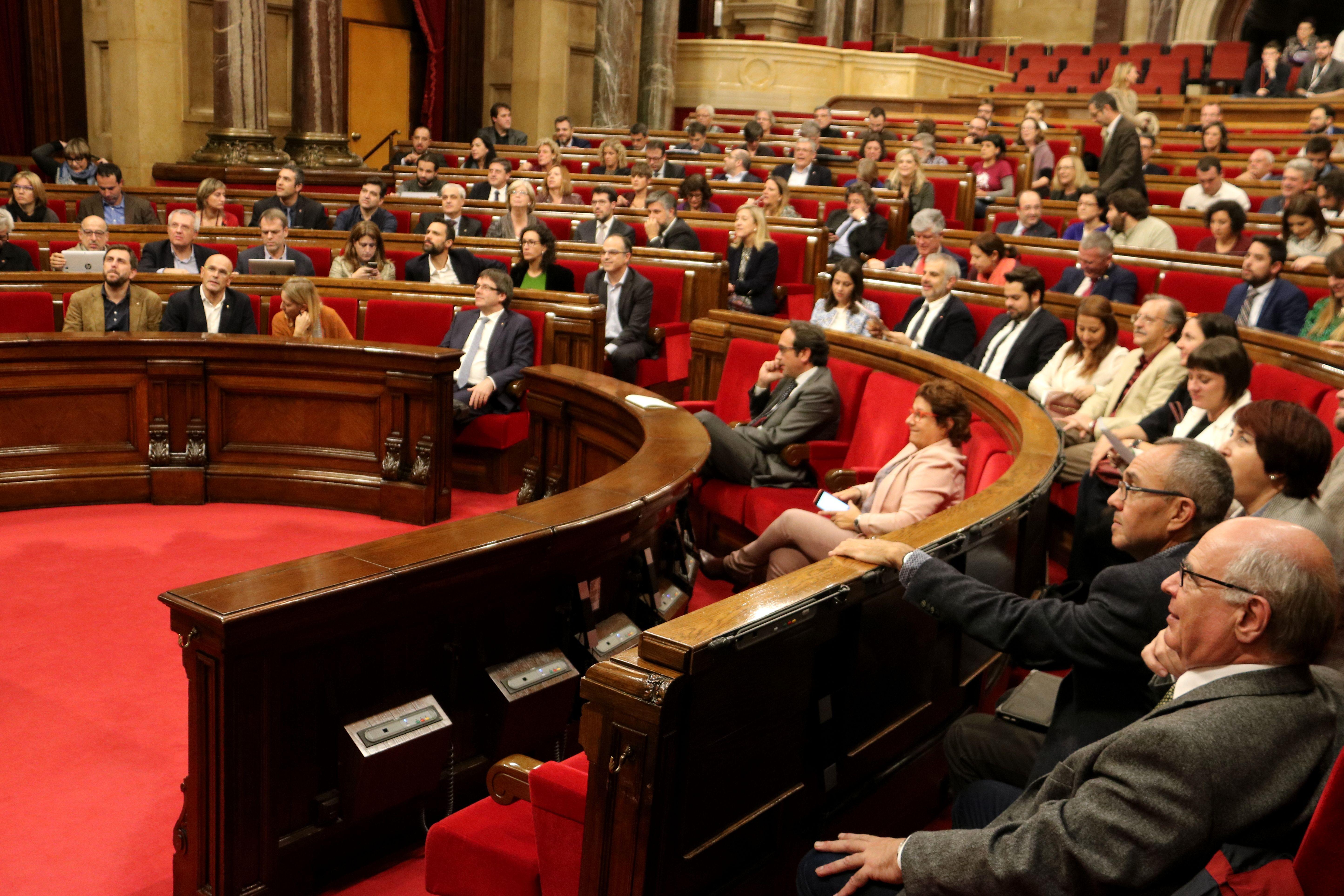 Parlament ACNN