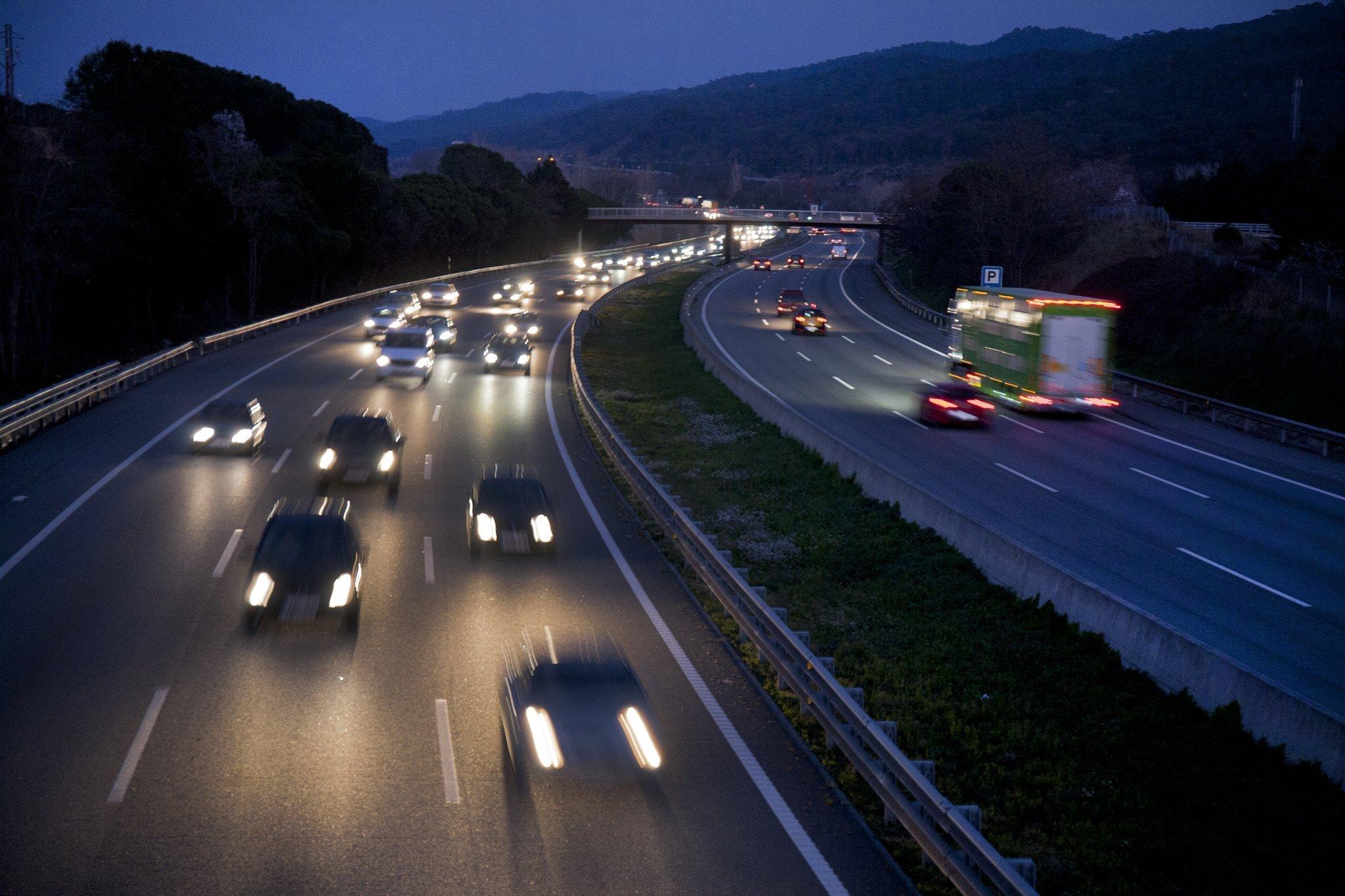 cotxes carretera autopista - transit