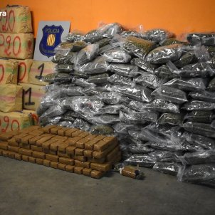 2000 kg marihuana i haixix Mossos