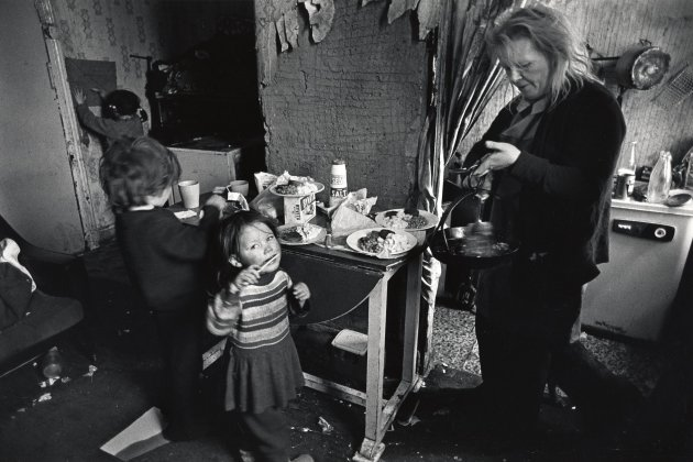 Lunch, Maryhill, Glasgow, Scotland, 1975 © Chris Steele Perkins