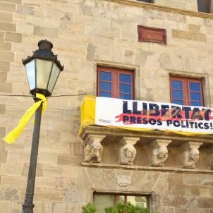 Ajuntament Cervera pancarta presos  - Segarra per la llibertat