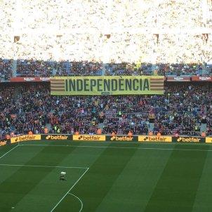camp nou pancarta independencia Bernat Aguilar