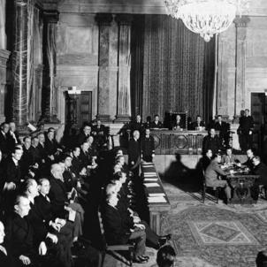 Les cases regionals de Barcelona denuncies coaccions dels partits espanyolistes. Primera sessió del Parlament de Catalunya després de les eleccions de 1932. Font Arxiu Nacional de Catalunya