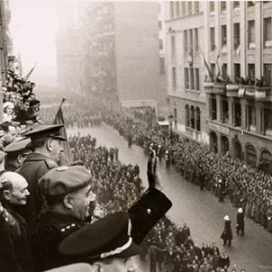 El regim franquista adjudica als seus partidaris la venda de tabac i loteries a Barcelona. Fotografia de la visita de Franco a Barcelona (1942). Font Ajuntament de Barcelona
