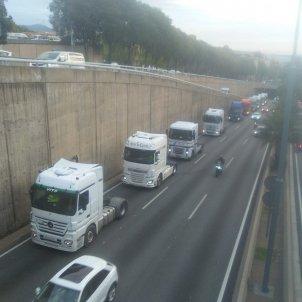 Marxa Lenta de camions Ronda de Dalt Jordi Palmer
