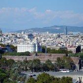 barcelona-torre-agbar-skyline-22@-PIXABAY
