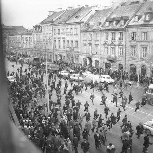 Aldarulls a Cracòvia 8 de març de 1968 Foto Tadeusz Zagódzinski