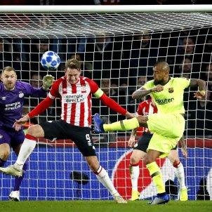 Arturo Vidal PSV Barça EFE