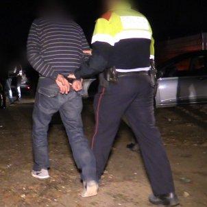detenció mossos d'esquadra manilles