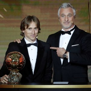Luka Modric David Ginola Pilota d'Or 2018 EFE