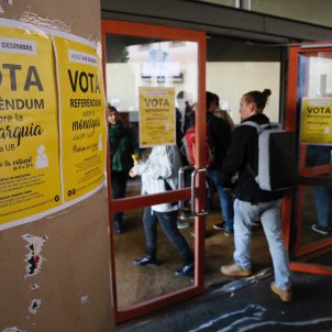 referendum monarquia universitat sergi alcazar (7)