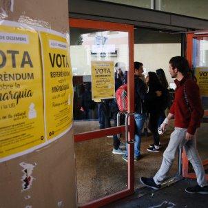 referendum monarquia universitat sergi alcazar (8)