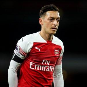 mesut ozil arsenal @Arsenal