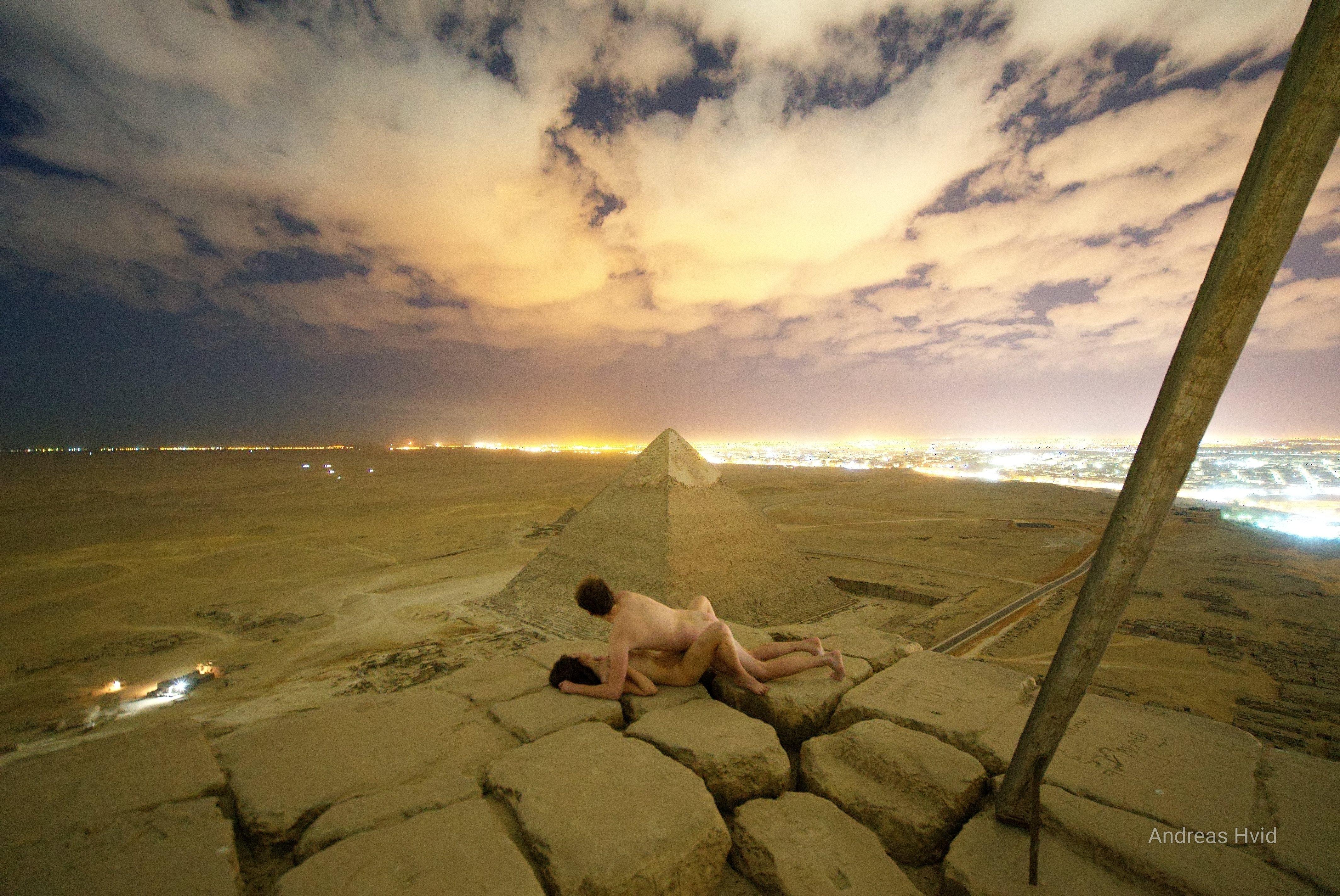 Piràmide Guiza parella nua Egipte
