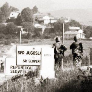 Eslovènia guerra 1 (Red Alliance)